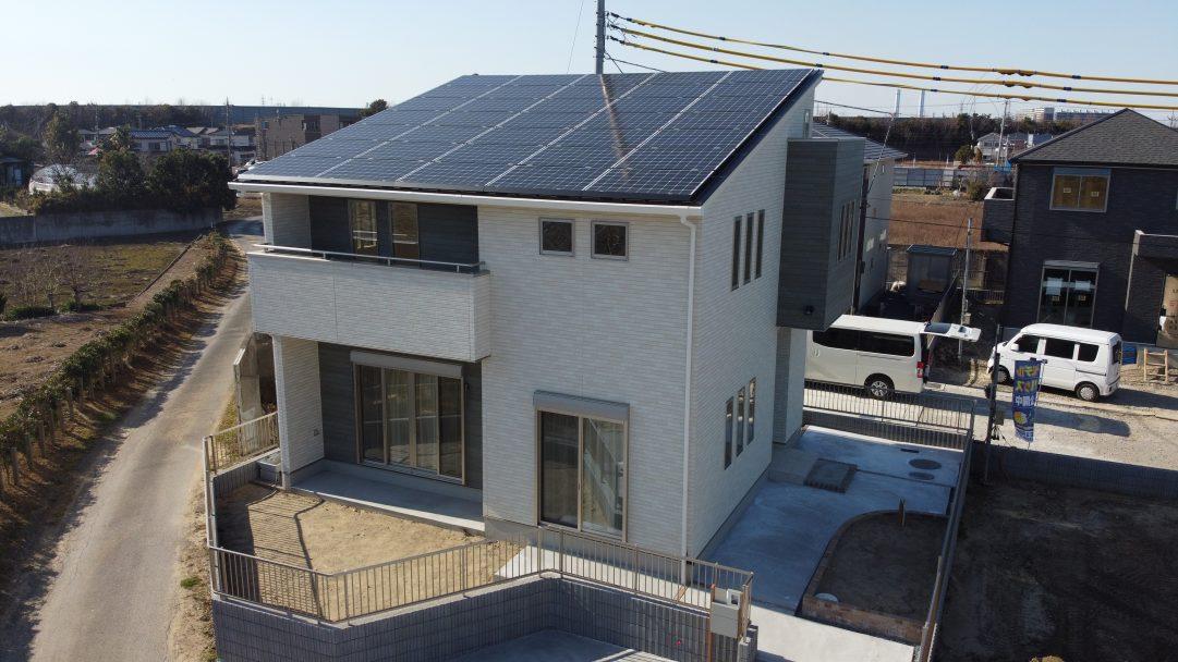 ソーラーパネル、太陽光発電を取り入れてます